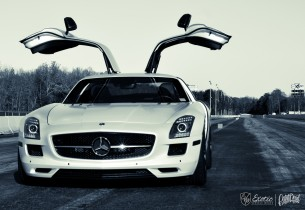 satin-pearl-white-mercedes-sls-white-bw-wm